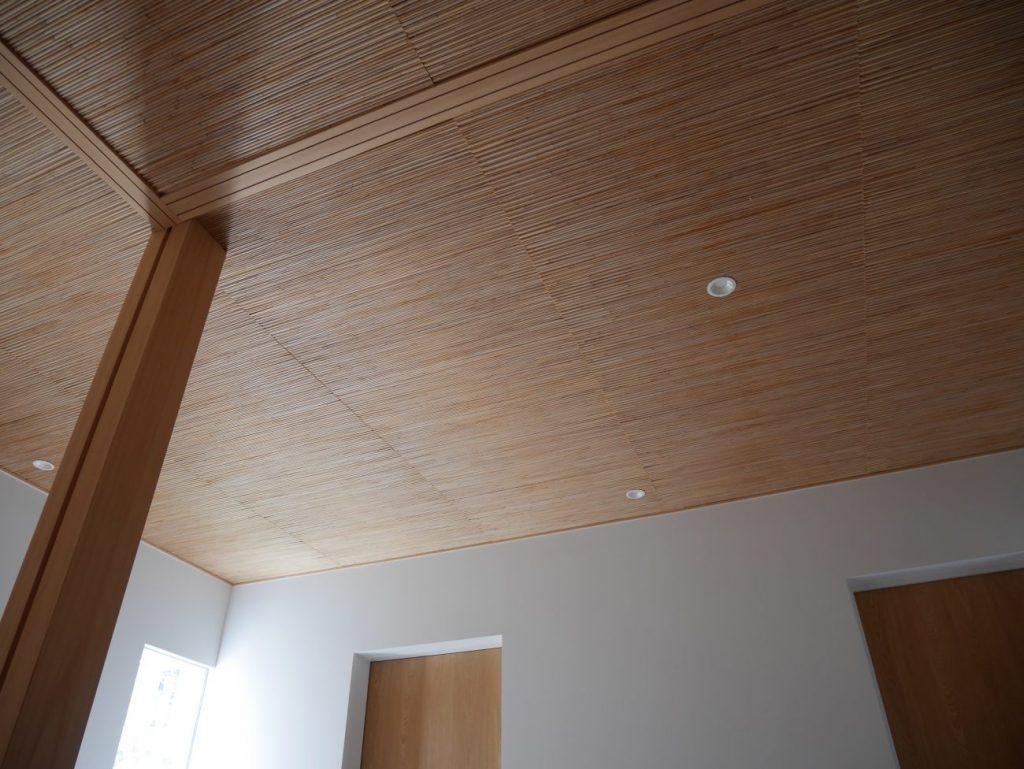玄関と和室のよしず天井